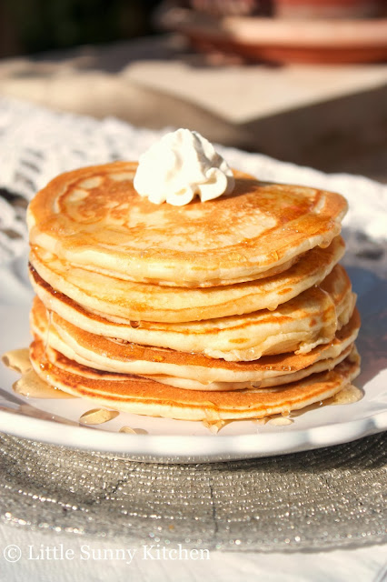 This is a basic, no-fail pancake recipe. Made from basic ingredients that you can always find in your kitchen.