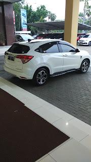 Honda HRV Warna Putih Di Daerah Pulo Gadung Jakarta Timur