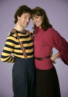 Chris Diamantopoulos Erinn Hayes Mork & Mindy