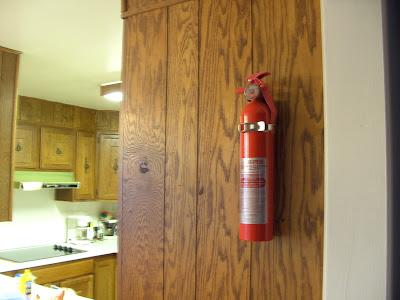 Ở nhà bếp nên đặt bình ở vị trí có góc ẩn nấp so với vị trí bếp nấu