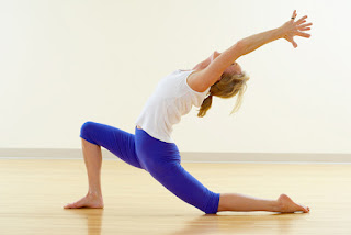 the benefits of yoga exercisesbeautiful healthy lifestyle