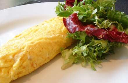молоко - 1 мультистакан; яйцо - 6 шт; мука - 1/2 мультистакана; соль - по вкусу. ( 1/4 ч.л ); масло растительное - 1 ст .л;