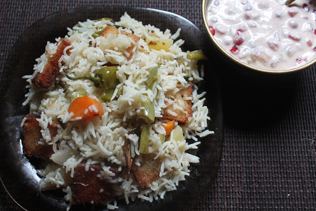 Mughlai Vegetable Pulao with Fried Bread Recipe