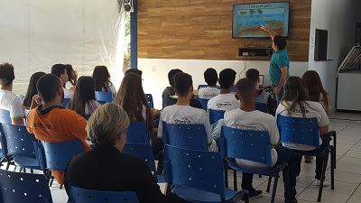 CPRM/SUREG-GO recebe estudantes do Colégio Simetria