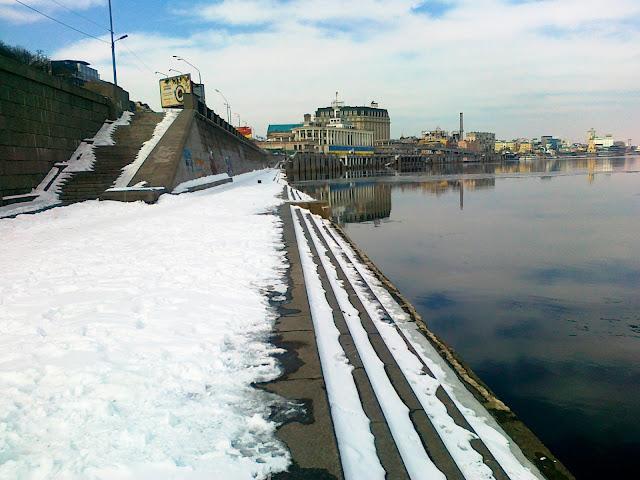 Ступени набережной Днепра