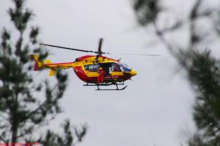 Dragon 75 (EC145) en vol pour treuillage