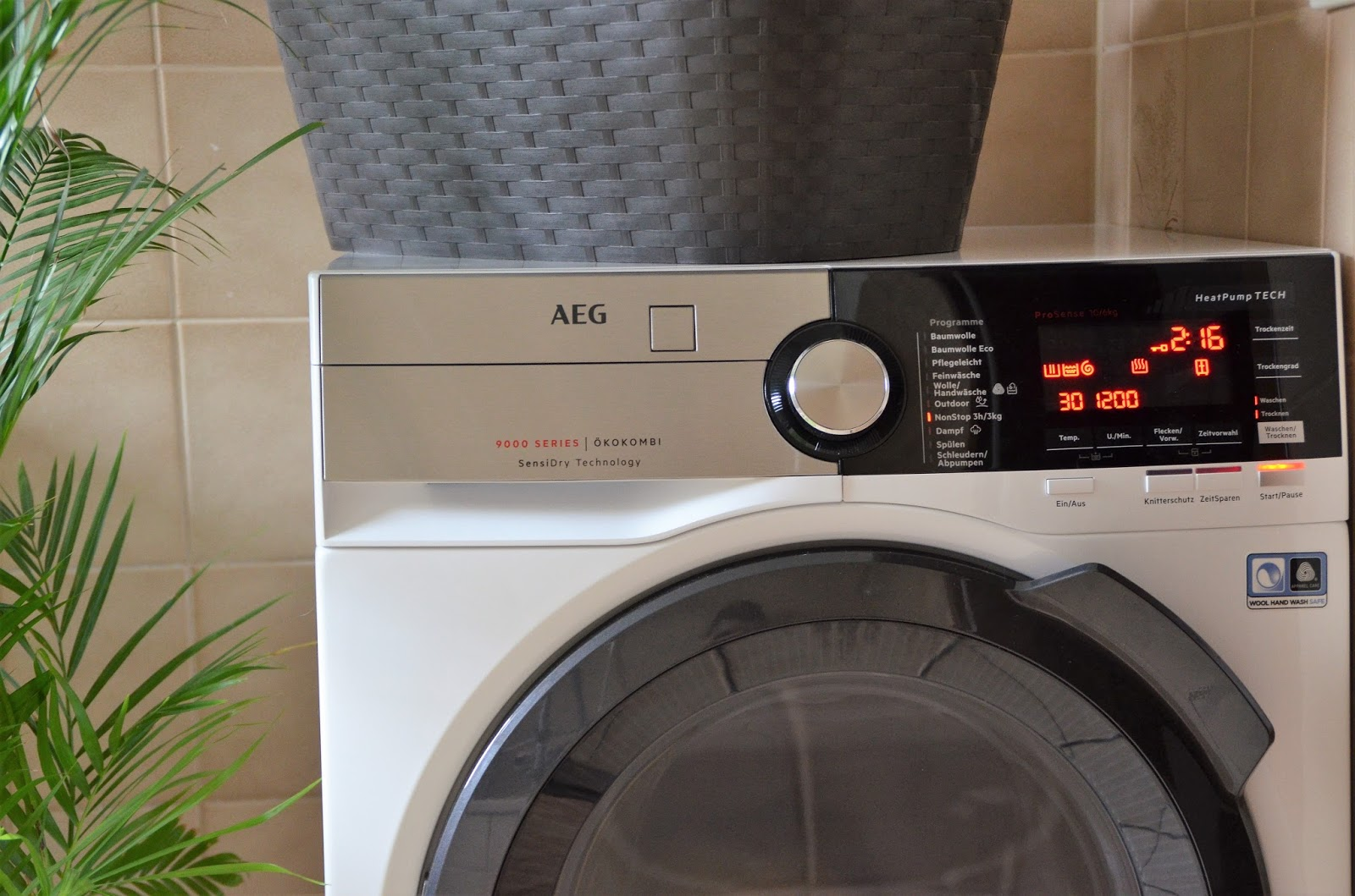 Waschtrockner Von Aeg : Aeg waschtrockner anyarich