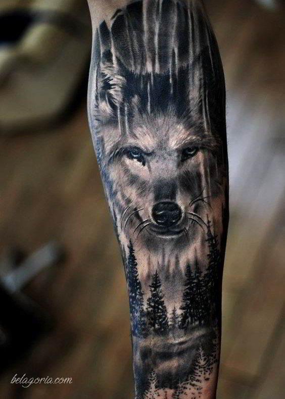 foto con tatuaje de bosque espectaculare