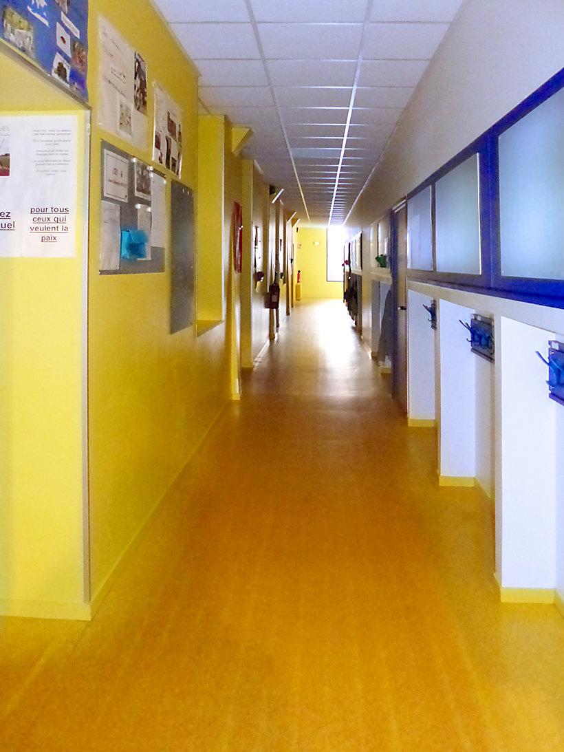 École élémentaire CNDI, Tourcoing - Couloirs