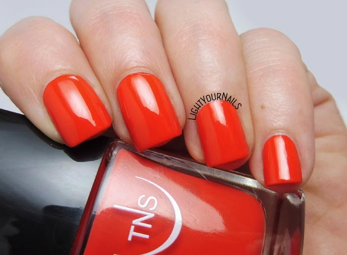 Smalto arancione TNS Cosmetics Firenze 545 Stella Marina Lungomare orange nail polish #TNSCosmetics #lightyournails #unghie #nails