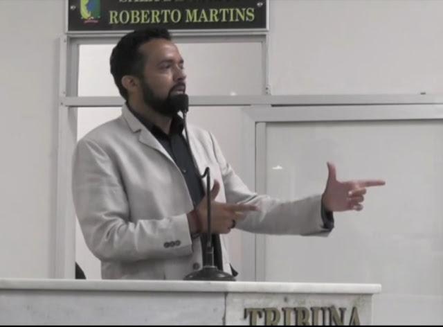 DESESPERO! VÍDEO! Vereador petista ataca os evangélicos e católicos e chama Bolsonaro de bandido!!!