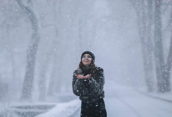 Sesja w śnieżycy z Karoliną Shmidt