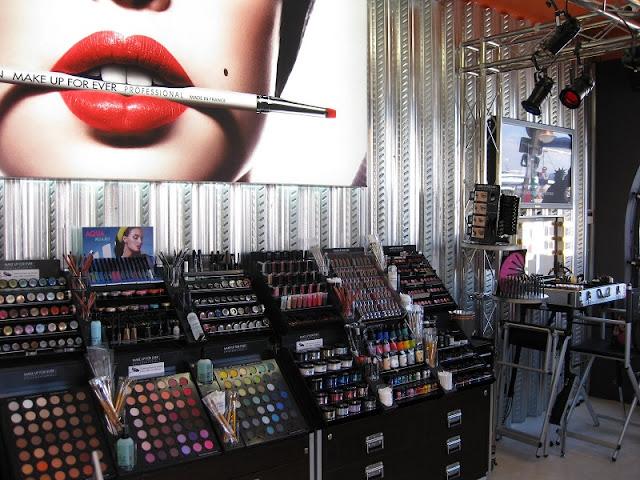 Maquiagens para venda em loja