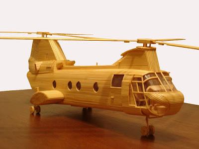 modello di elicottero fatta con stuzzicadenti di marco pini