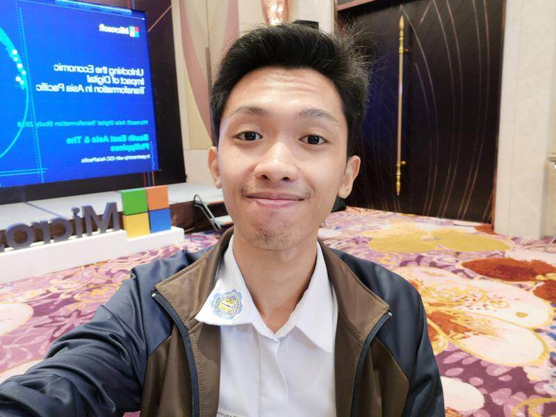 Huawei Mate 10 - Front Camera Sample - Selfie