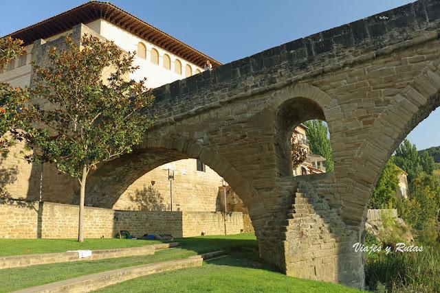 Puente la Reina, Puente románico