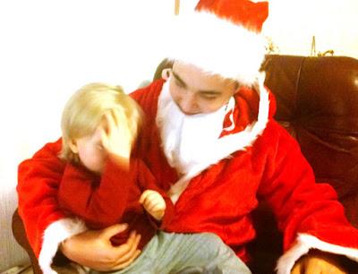 Saippuakuplia olohuoneessa- blogi, kuva Hanna Poikkilehto, joulu, joulupukki, taapero