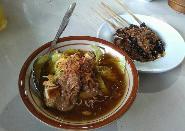 Mie ongklok rumah makan Harmoni Wonosobo. (foto direktorijateng.com)
