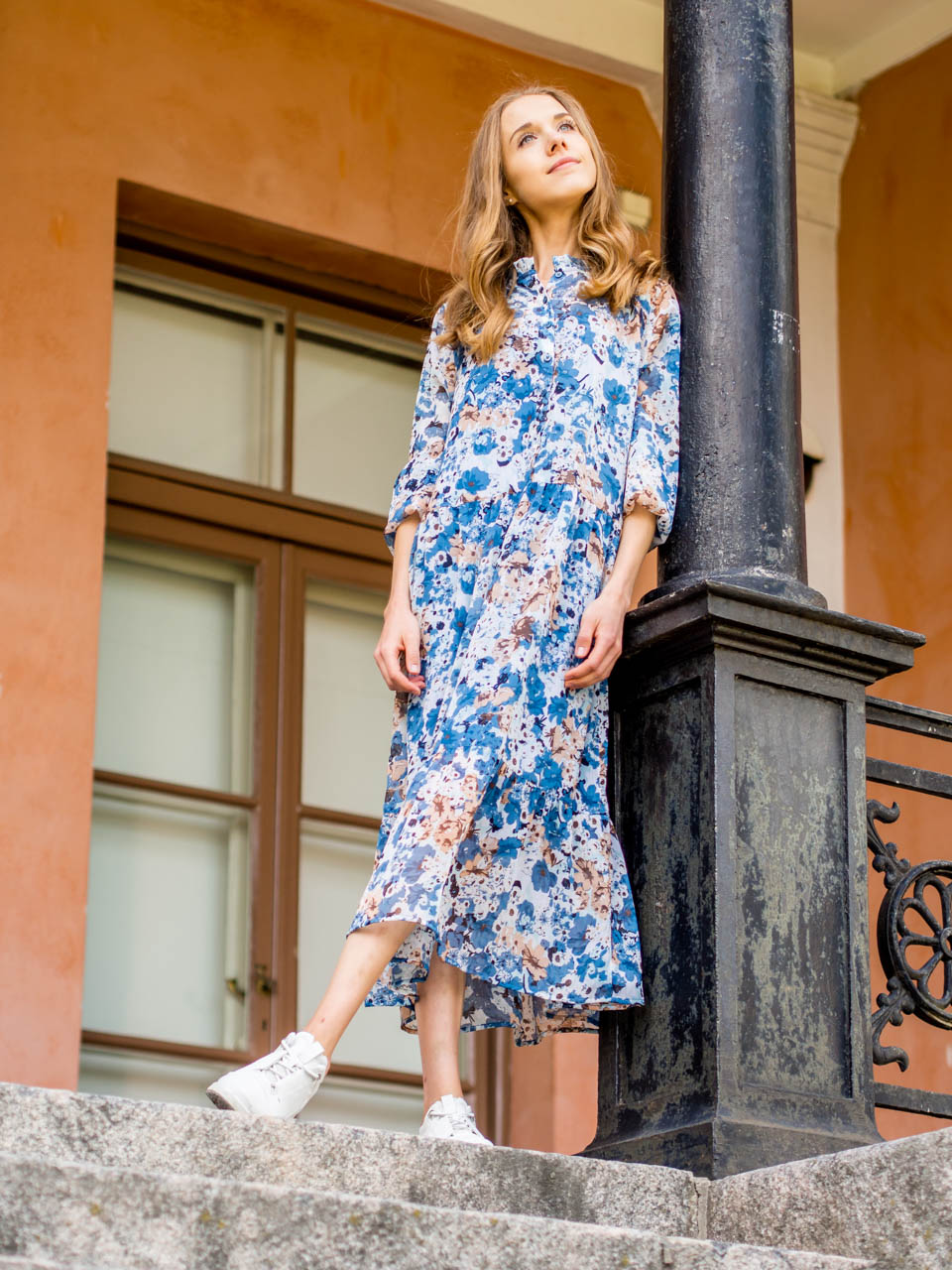 chunky-sneakers-floral-maxi-dress-lenkkarit-kukkamekko-kappahl-ecco