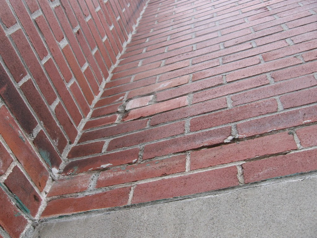 réparation artisanale du mur