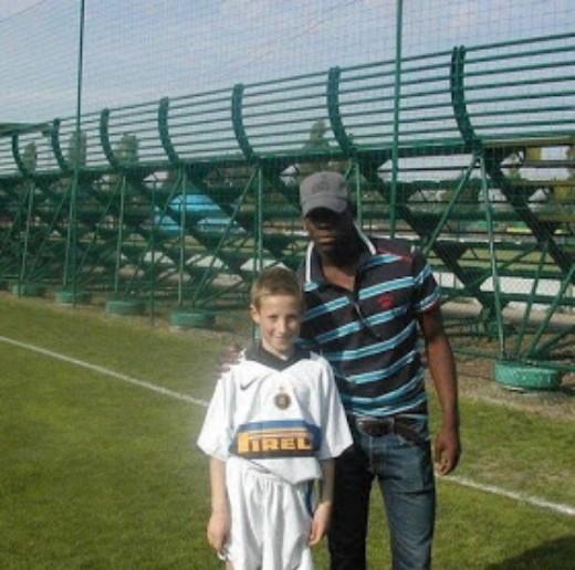 Andrea Pinamonti, qualche anno fa con Mario Balotelli