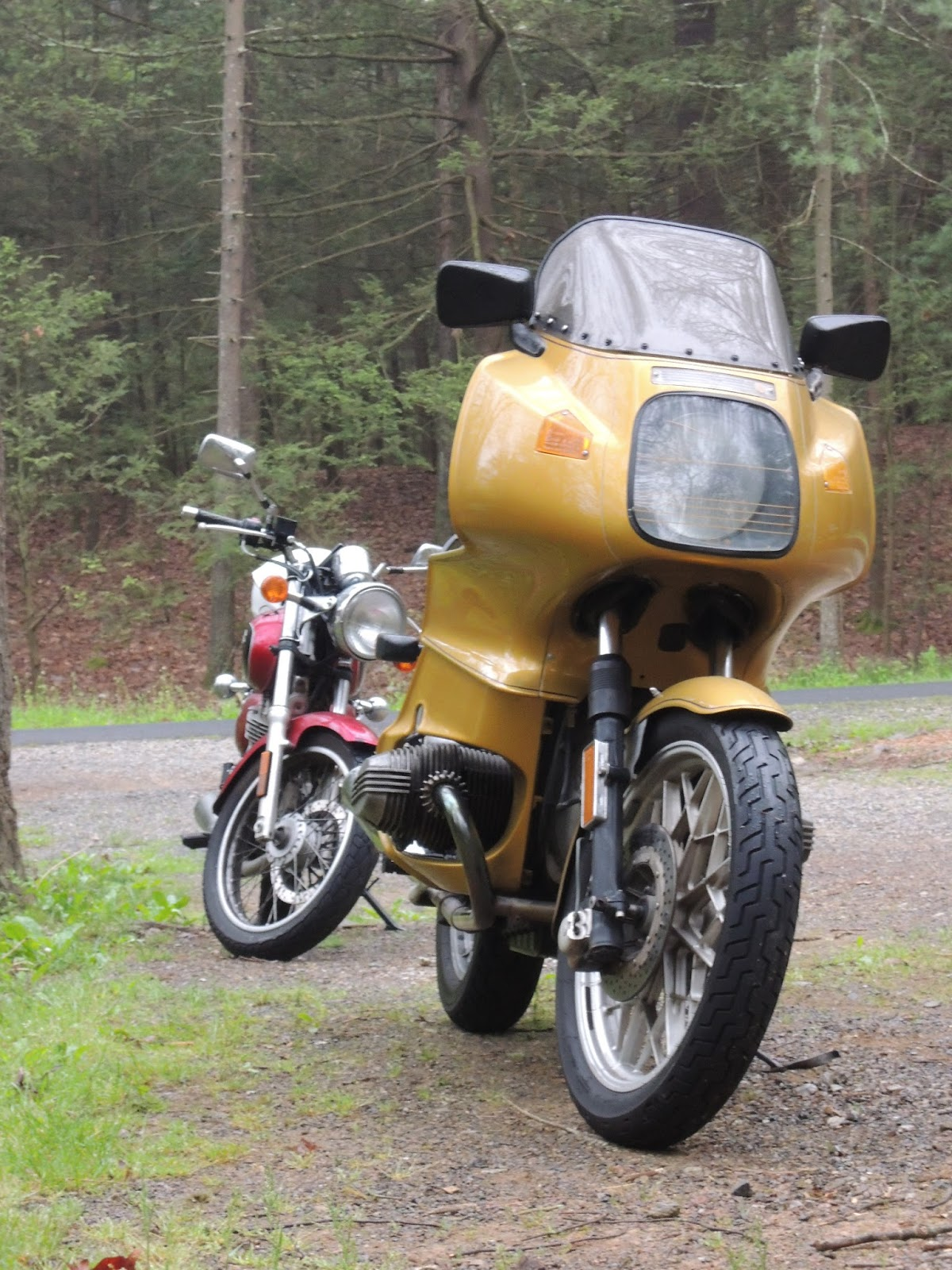 BMW R100RS price on prestige and quality           Nelson's