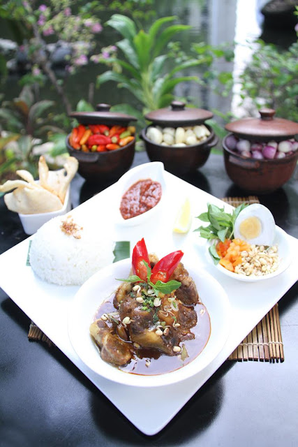rawon buntut, The Sultan Hotel & Residence, catatan traveler