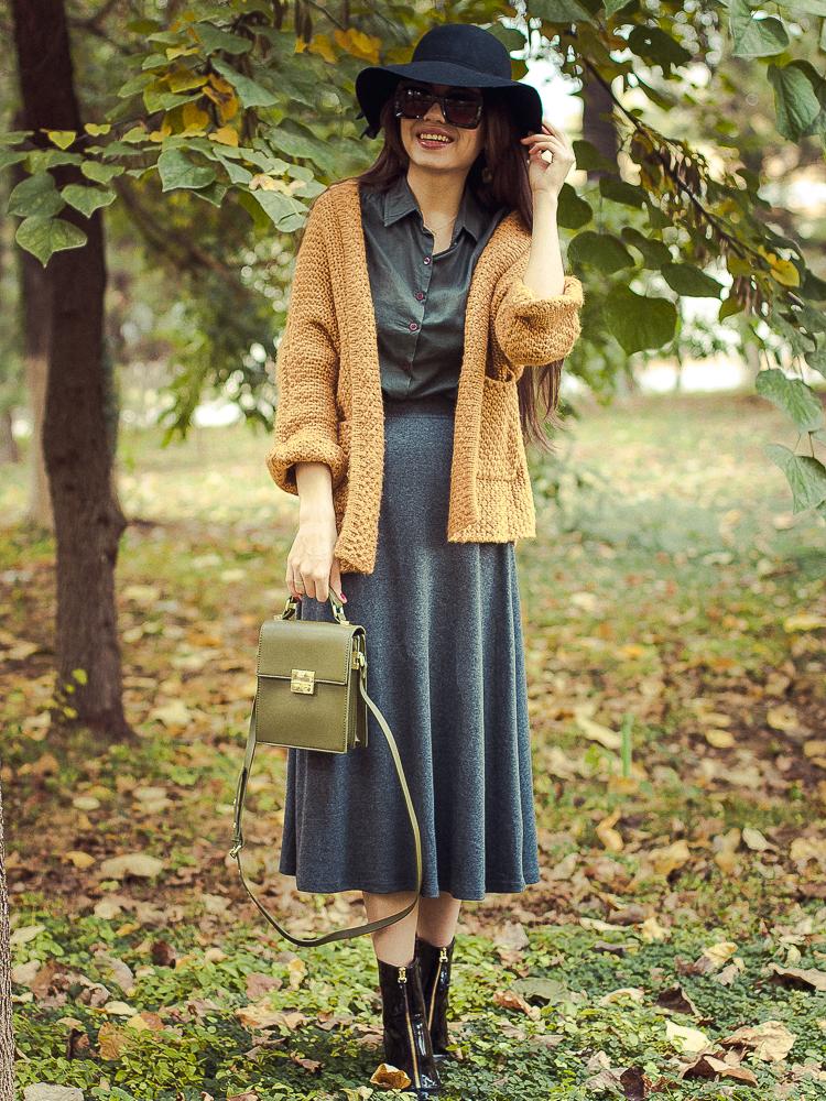 fashion blogger diyorasnotes autumn look aline skirt knit cardigan patent boots