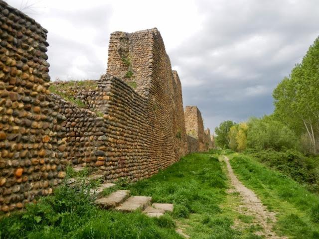 TRAVELPHOTOBOX: Las murallas de Mansilla de las Mulas | Castilla y León