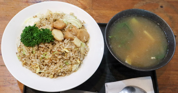 台中烏日翁濟素食|緬甸老闆的現炒創作料理,平價素食美食