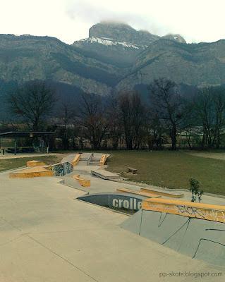 skatepark crolles bowl