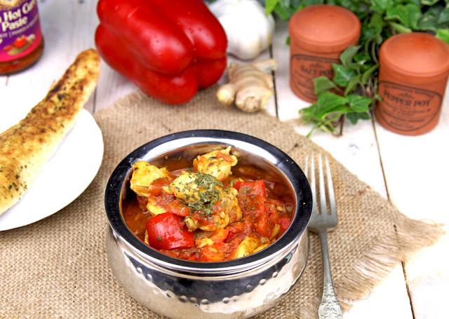 kurczak jalfrezi, kuchnia indyjska, danie kuchni indyjskiej, kurczak po indyjsku