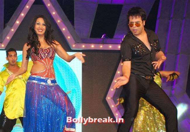 Kashmira and Krushna  performing at The Country Club, Mumbai, Country Club New Year Bash 2014