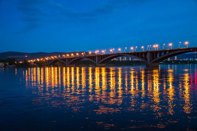 Коммунальный мост ночью Красноярск