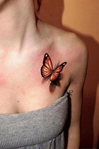 Peito de tatuagens de borboleta para a menina