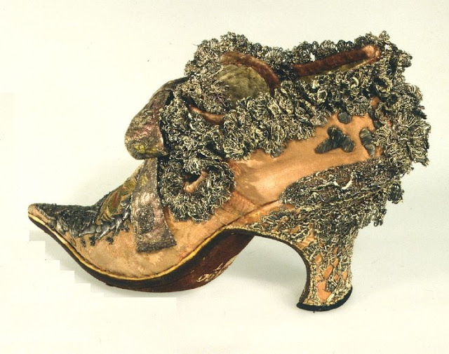 Shoes of Louis XIV. Importance of Pirouettes. marchmatron.com