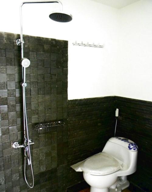 kamar mandi minimalis ukuran 1x2