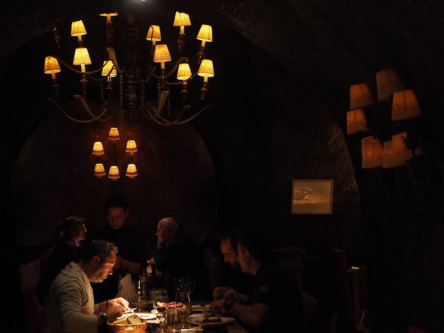 Interior del restaurante El Capricho