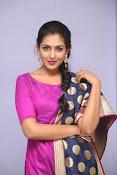 Madhu Shalini laest glam pics-thumbnail-13