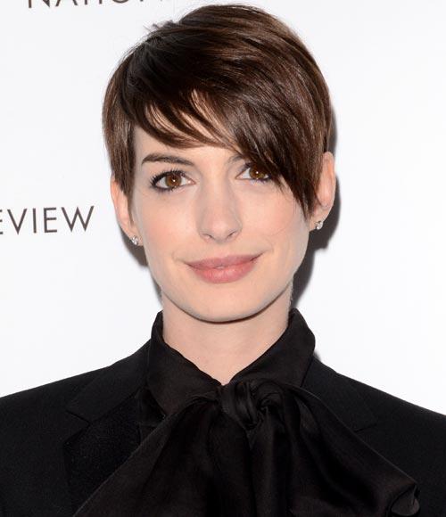 """Anne Hathaway Lob: Pretty And Fashion Girls: Estilo """"Pixie"""" O """"Long Bob"""""""