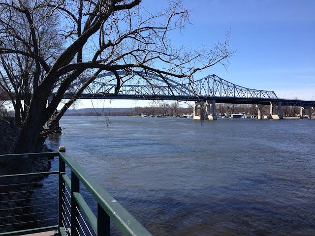 Mississippi River, Wisconsin, Minnesota, bridges, La Crosse, Anne Butera My Giant Strawberry