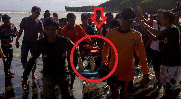 TIM SAR Evakuasi Korban Tewas di Pantai Baron