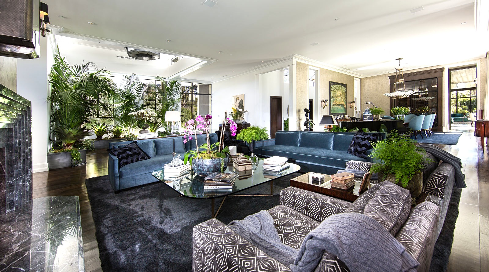 Hollywood Hills Living Room Decoration