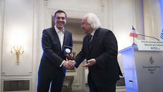 Βραβείο ντροπής στον Τσίπρα από τους δικηγόρους του Παρισιού. Ντροπή τους!