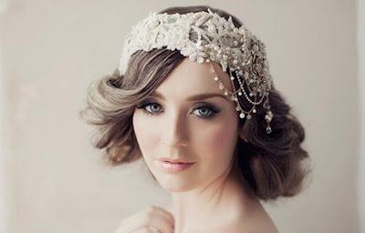 Mách bạn cách chọn cài tóc cô dâu đẹp cho kiểu tóc ngang cằm 2