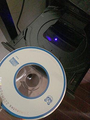 付属のCD-ROMをPCに入れて
