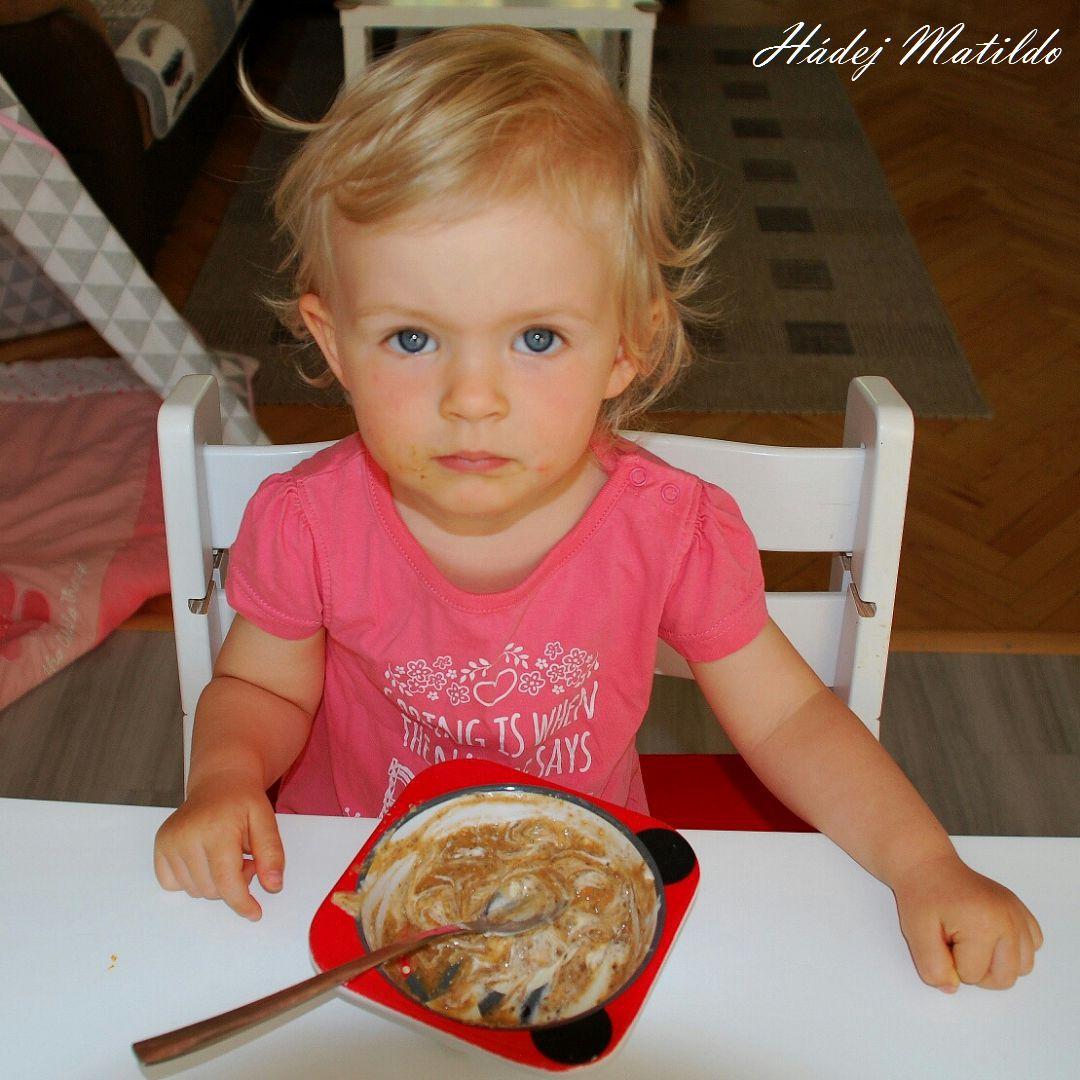 snídaně, ráno s dětmi, ráno, dvě děti, život s miminem a batoletem