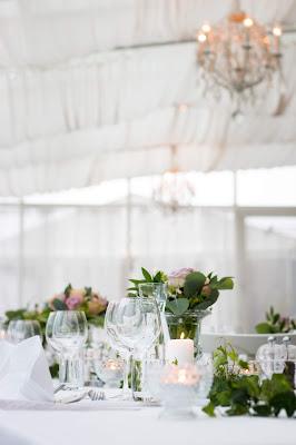 Mesa de boda con velas
