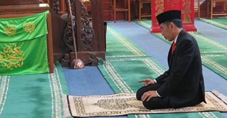 """""""Saya Berteman dengan Pak Jokowi Lebih dari 11 Tahun, Beliau Selalu Salat Tepat Waktu"""""""