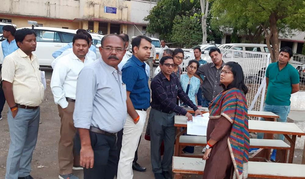 ratlam-news-लोकसभा निर्वाचन में मतदान सामग्री जमा करने वाले कर्मचारियों की संख्या विधानसभा निर्वाचन की तुलना में तिगुनी रहेगी
